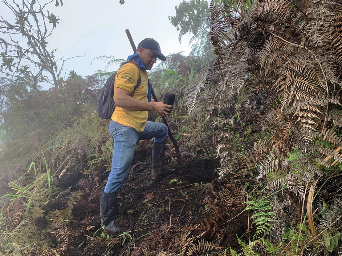 Héctor Jaime Vinasco taking part in community reforestation efforts. Credit: RCMLP.