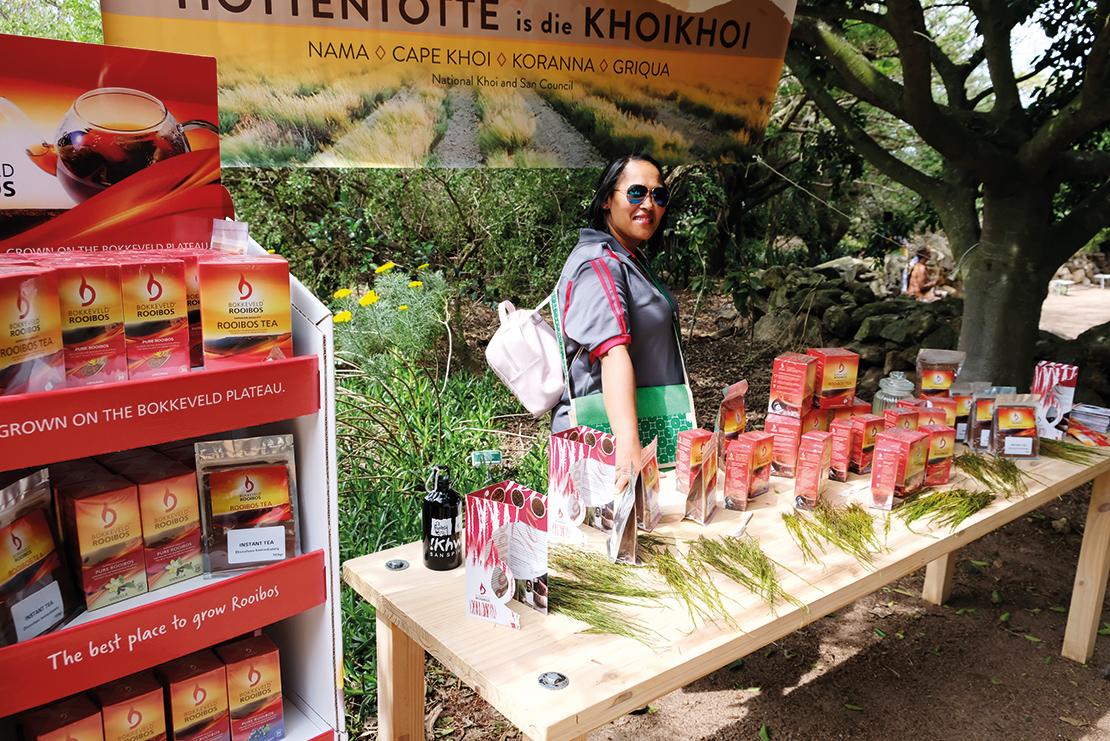 Selling rooibos tea produced by the Khoi-San. Credit: Ivan Vaalbooi.